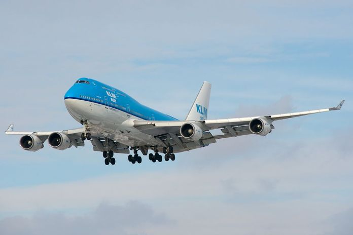 Avião Boeing 747-400M combi KLM