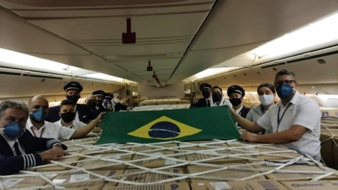 LATAM Equipe Profissionais Voos Máscaras China Brasil