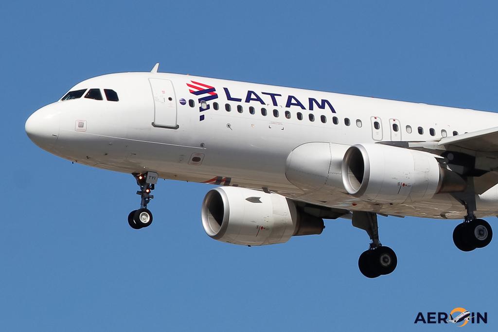 Airbus A320 LATAM plane