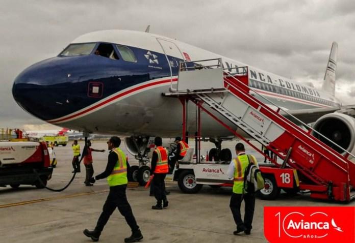 Avião Airbus A320 Avianca Retro Livery