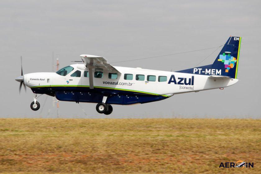 Cessna C208B Grand Caravan Blue Connect Plane