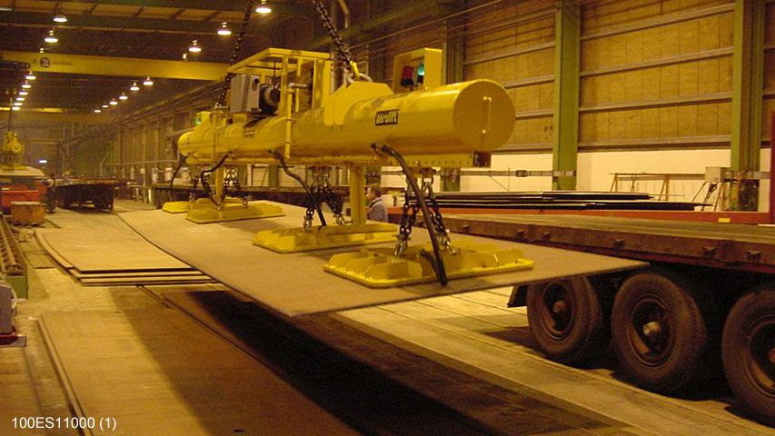 Dit vacuüm heftoestel van Aerolift wordt gebruikt voor het handlen van staaplaten tot 12 meter