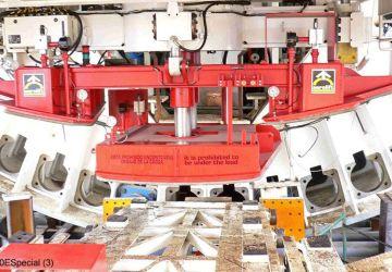 Dit vacuüm heftoestel van Aerolift wordt gebruikt in een tunnelboormachine (TBM), voor het plaatsen van de tunnelsegmenten