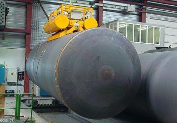 Vacuüm heftoestel van Aerolift voor het interne transport tijdens laswerkzaamheden