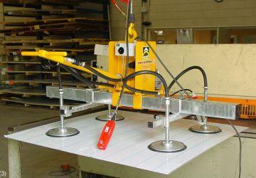 Vacuüm heftoestel van Aerolift voor het transporteren van en naar een knipmachine