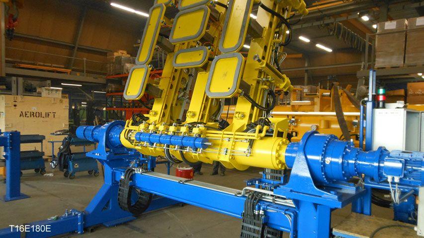 Door Aerolift ontwikkeld automatisch overzetsysteem voor verschillende vloerplaten, spoorbielzen en perronplaten