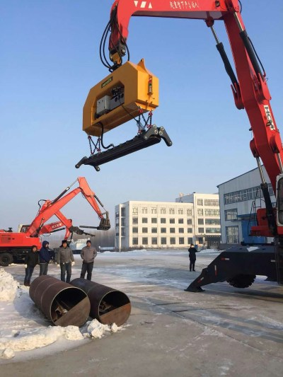 Aerolift vacuum lifter handling pipes with extreme low temperatures in China