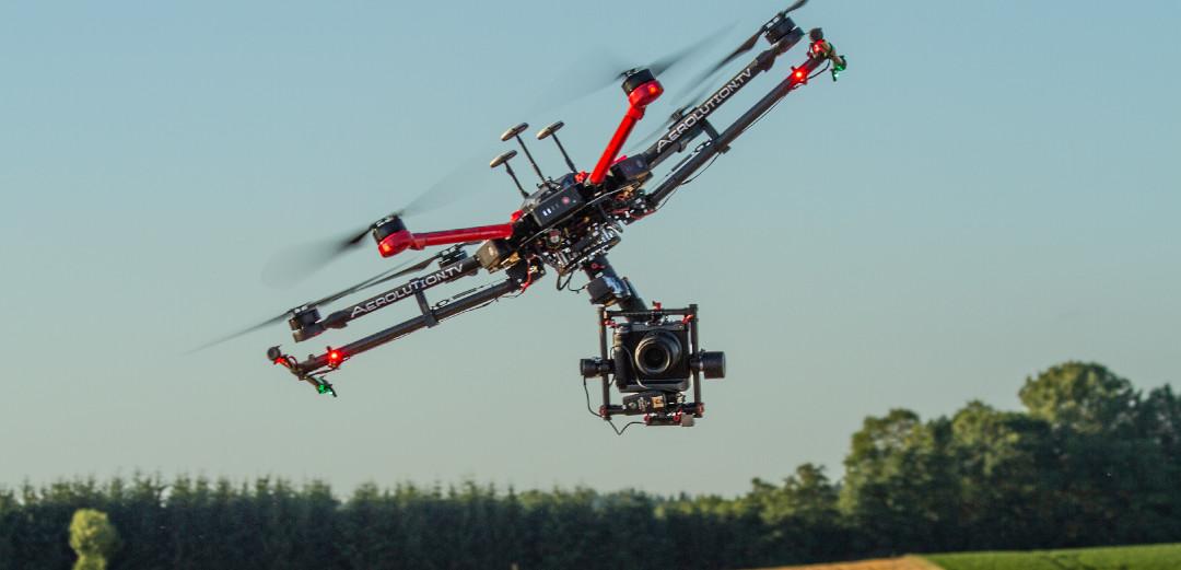 Hexakopter 102MP Kamera Luftaufnahmen Fotografie fujifilm Drohnenpilot München Alexa Mini RED Epic towercam rc car gripper