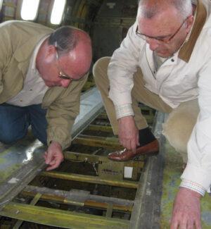 Estudios para hacer el suelo del CV440 transparente