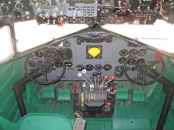 Cabina DC3 Iberia 1945