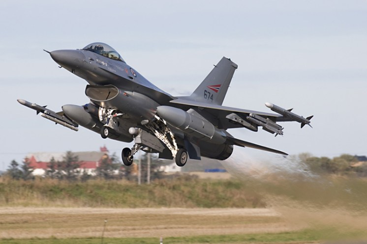 © Anthony Osborne - Lockheed Martin F-16AM Fighting Falcon • Royal Norwegian Air Force • Tiger Meet 2007