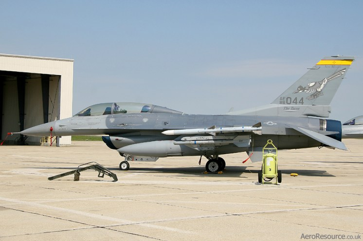 © Mark Forest - United States Navy • General Dynamics F-16D Fighting Falcon • Joint Base Andrews Naval Air Facility, MD