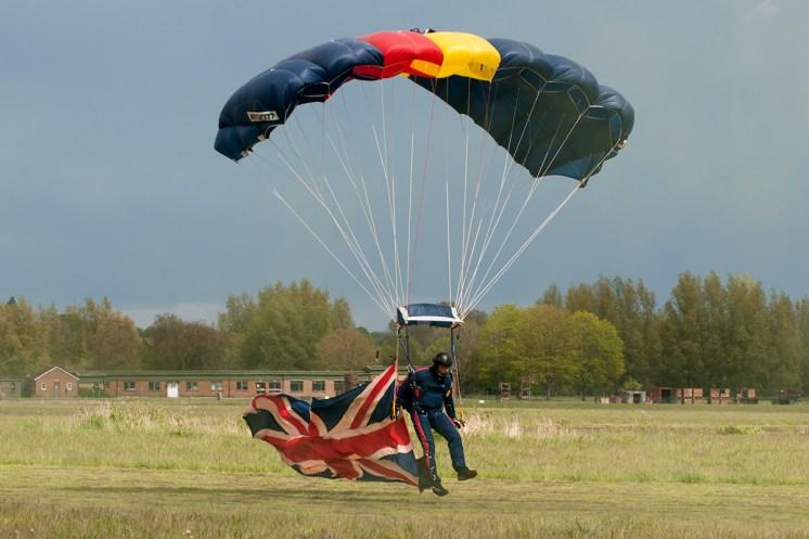 © Duncan Monk • Renegades Parachute Team • Abingdon Air & Country Show 2015