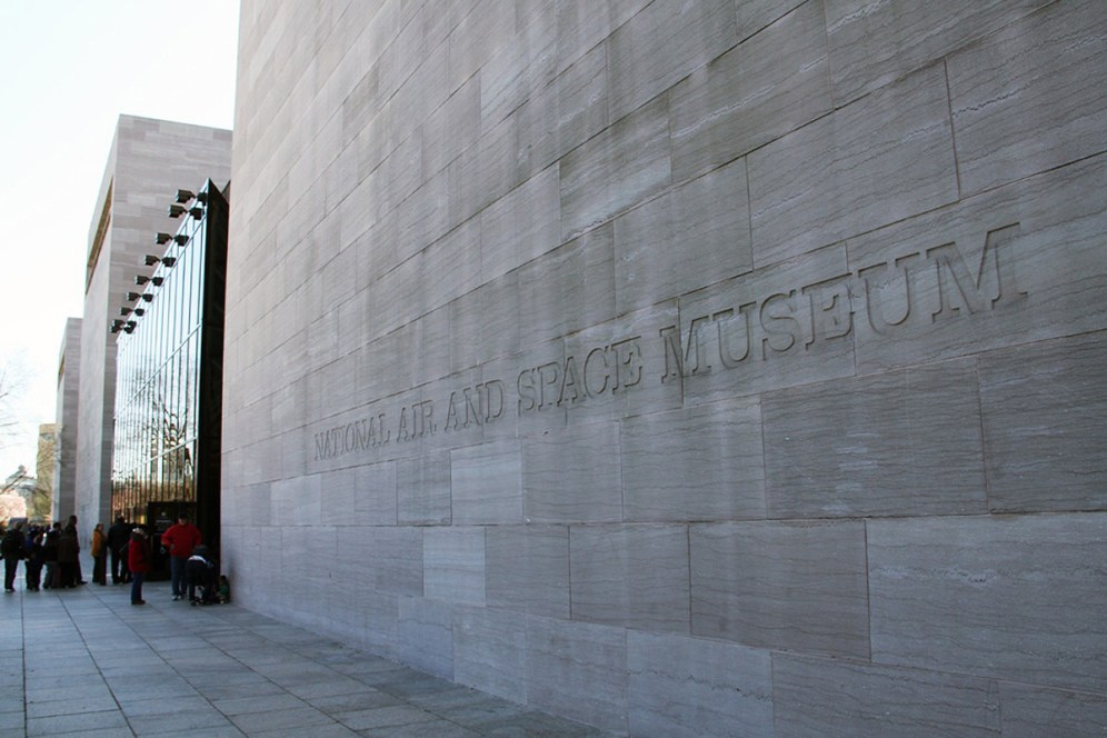 © Michael Lovering • Main entrance to Air and Space • Smithsonian Air & Space - Washington DC