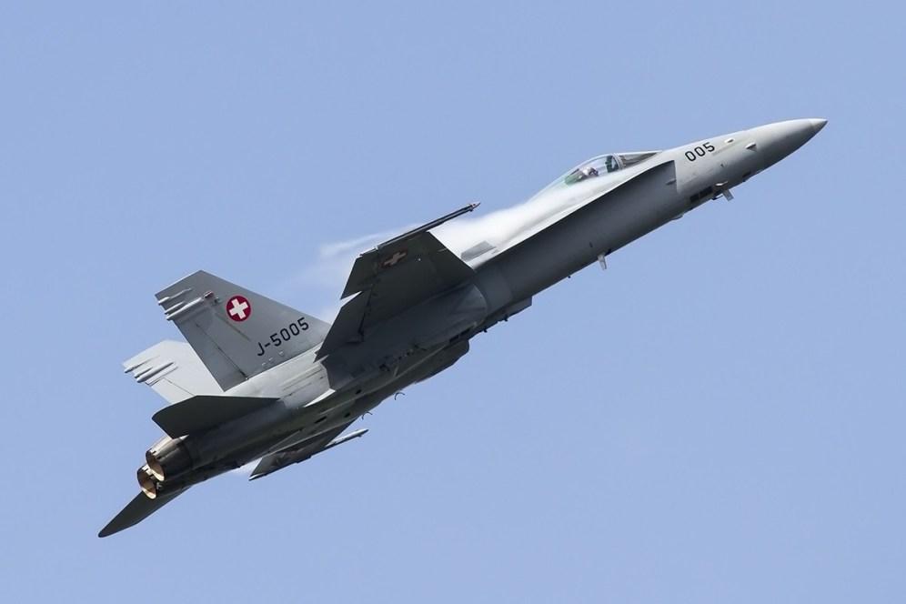 © Adam Duffield • Swiss Air Force F/A-18C J-5005 • Luchtmachtdagen 2014
