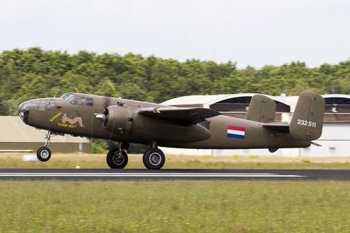 © Adam Duffield • North American TB-25N Mitchell 232511/PH-XXV • Luchtmachtdagen 2014