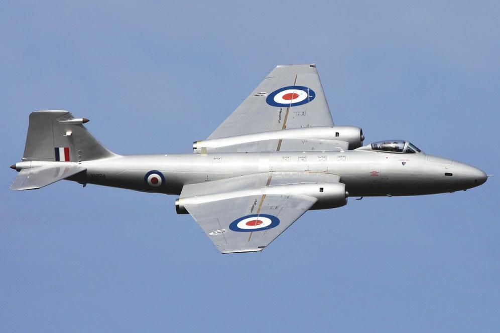 © Mark Kwiatkowski • English Electric Canberra PR9 • Abingdon Air Show, UK