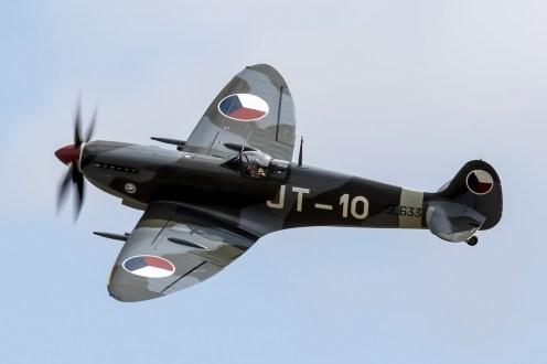 © Adam Duffield • Spitfire LFIXe SL633 N633VS • Flying Legends 2015