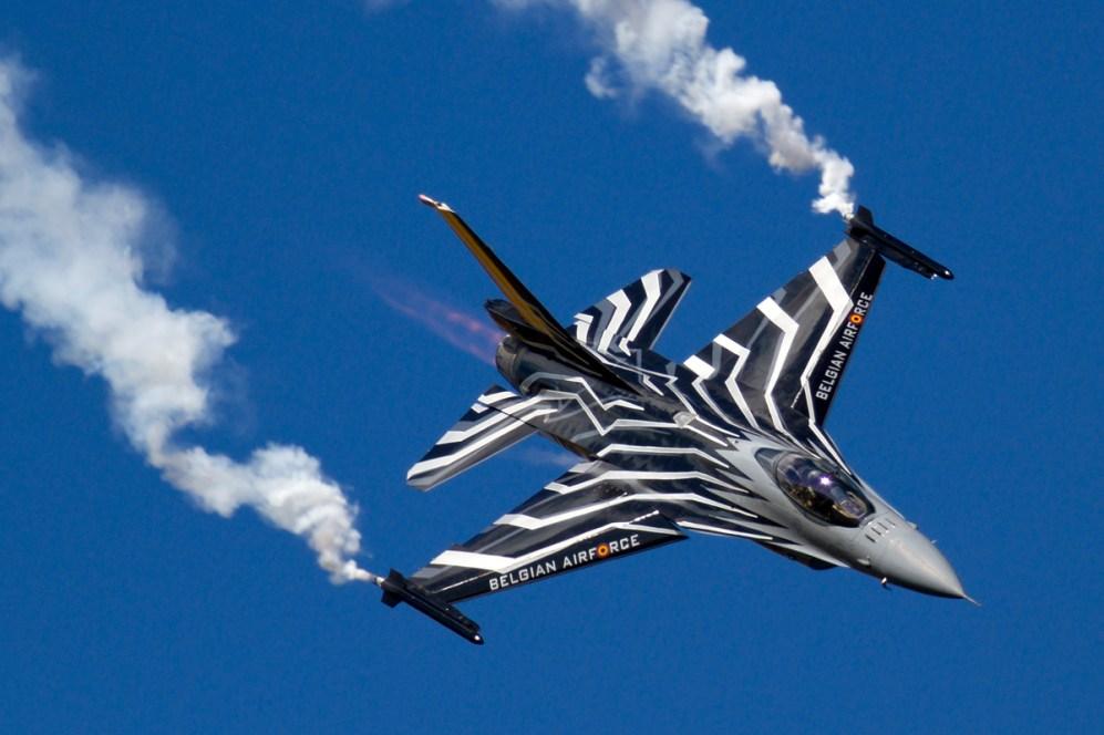 © Mic Lovering • Belgian F-16 Solo Display • RIAT 2015