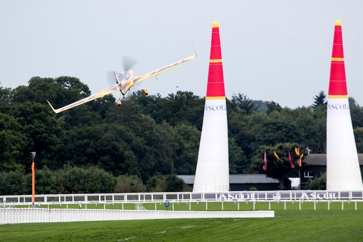 © Adam Duffield • Matt Hall • Red Bull Air Race - Ascot