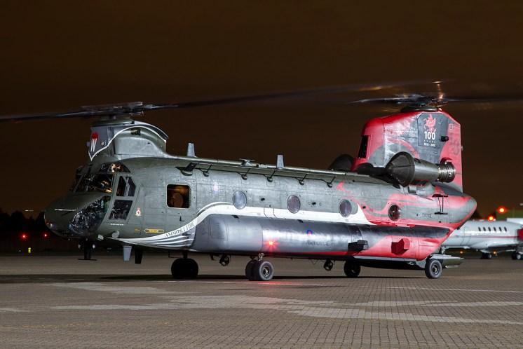 © Adam Duffield - Boeing Chinook HC4 ZA712 - Northolt Nightshoot XIX