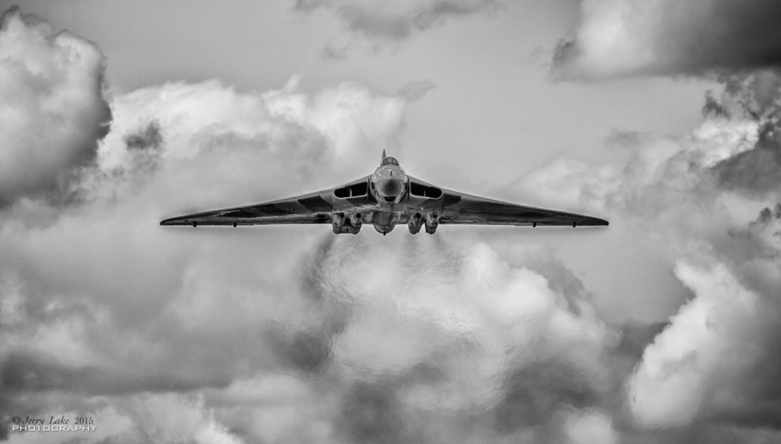 © Jerry Lake/www.flickr.com/jerry_lake - XH558 Vulcan - Throckmorton 2015 - Vulcan XH558 Image Wall