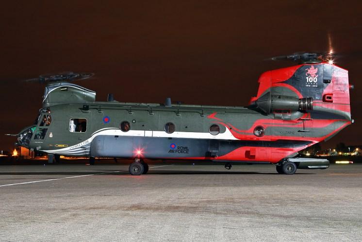 © Mark Kwiatkowski - Boeing Chinook HC4 ZA712 - Northolt Nightshoot XIX