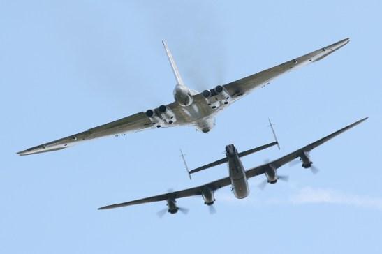 © Nick Challoner - Waddington airshow on 5 July 2008 - https://www.flickr.com/nickchalloner - Vulcan XH558 Image Wall