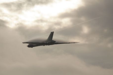 © Graham Buckle - XH558 Final Flight - Vulcan XH558 Image Wall