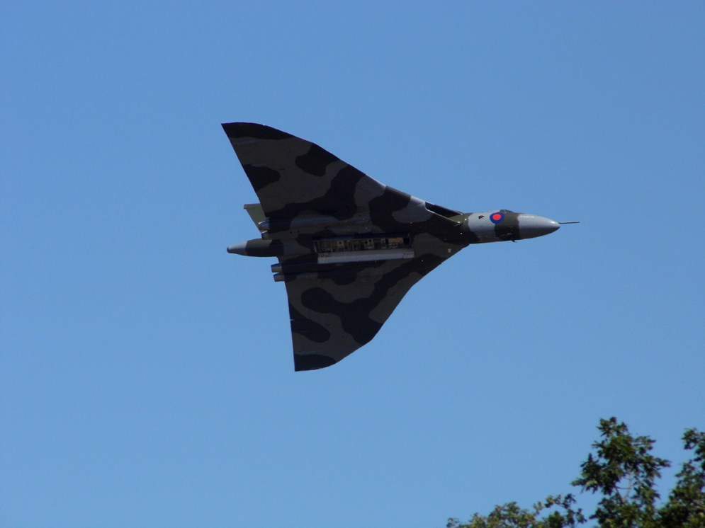 © Paul Stables - Unknown location during 2015 - Vulcan XH558 Image Wall