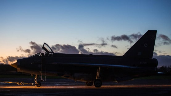 © Harry Measures - English Electric Lightning F.6 - Lightning Preservation Group Twilight Run