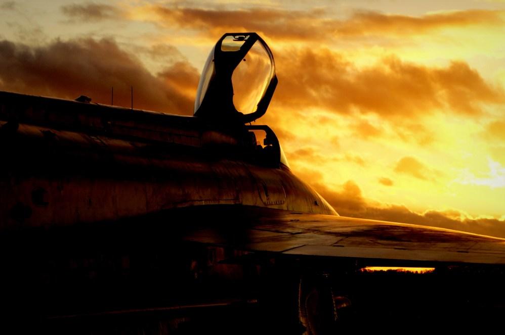 © Jamie Ewan - English Electric Lightning F.6 XS904 - Lightning Preservation Group Twilight Run