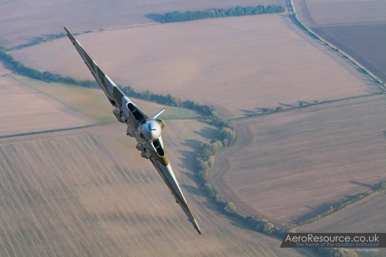 Vulcan XH558 Air to Air 1