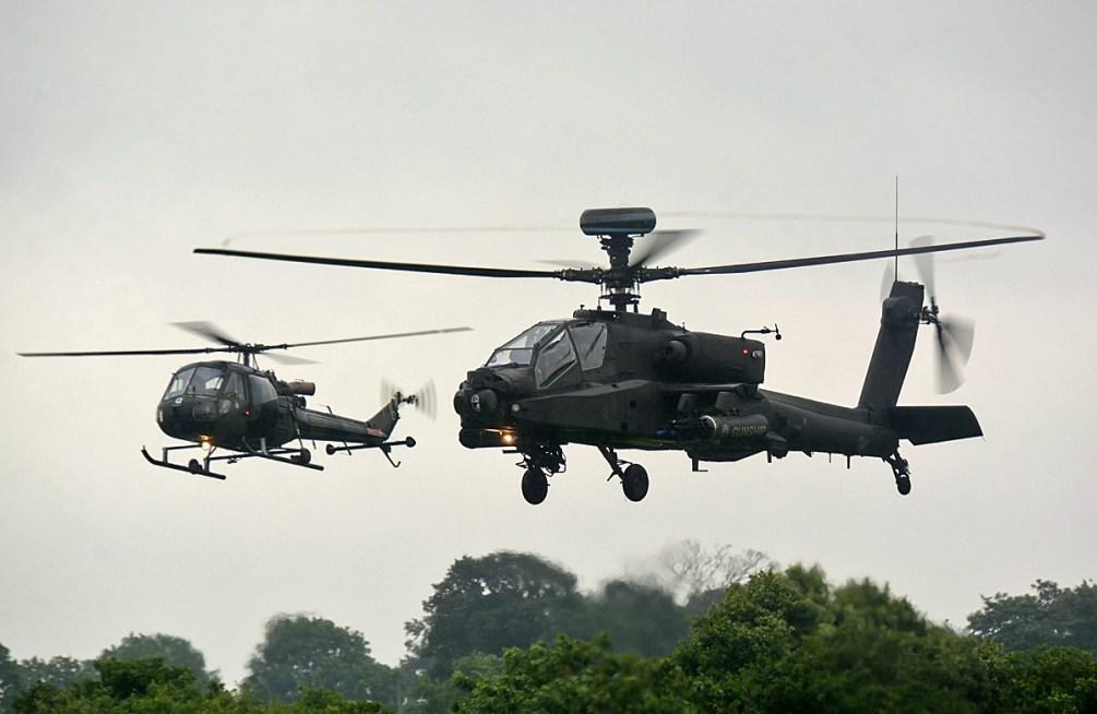 © Niall Paterson - Westland Scout AH Mk1 with Apache AH1 - RAF Cosford Air Show 2016
