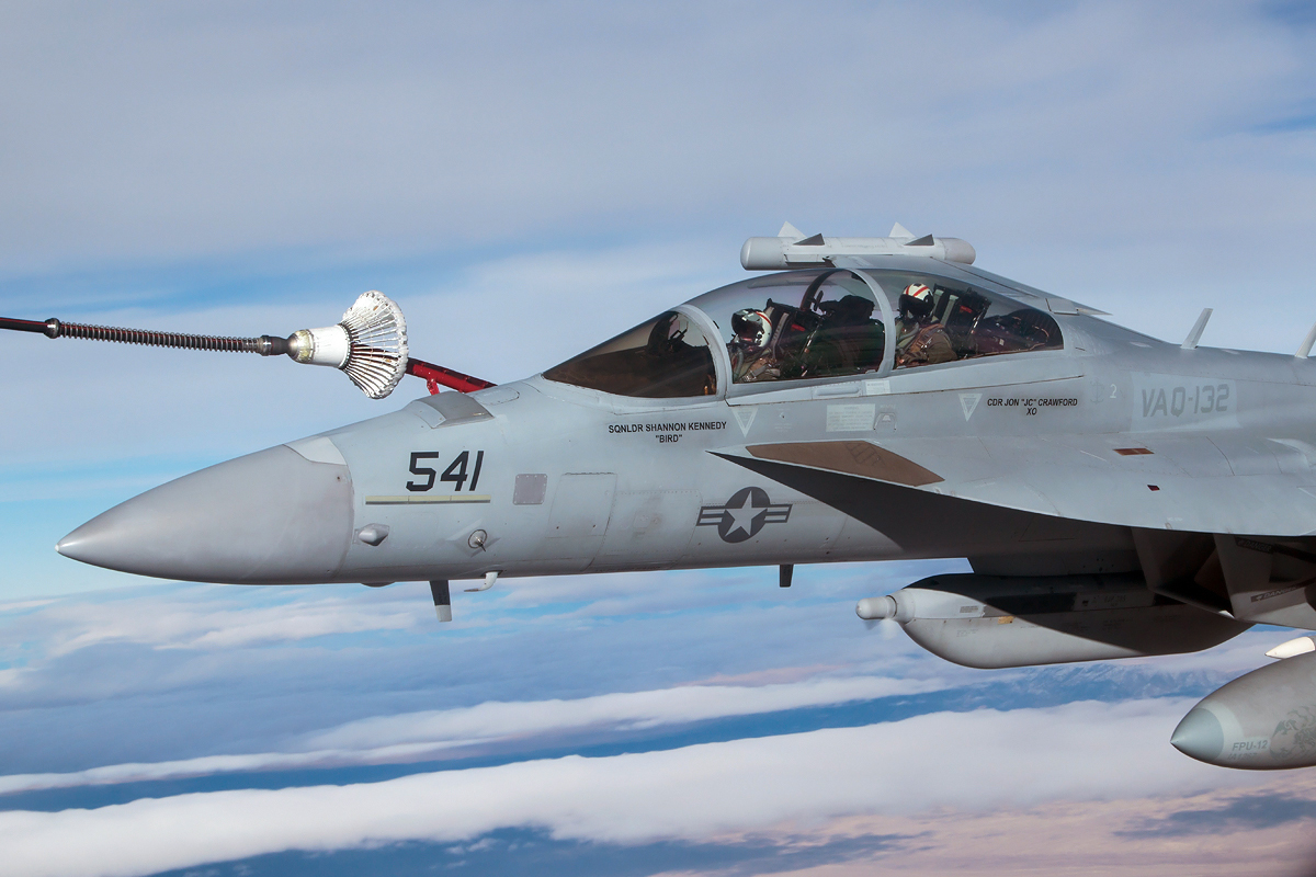 © Kevin Bell - EA-18G Hooked Up over Nevada - Red Flag 17-1