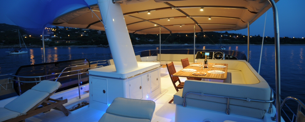 Fountaine Pajot Queensland 55 power catamaran