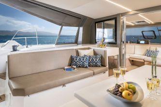 Bavaria Nautitech 40 Open catamaran 123 cocpit 4