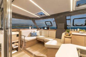 Bavaria Nautitech 40 Open catamaran 123 salon