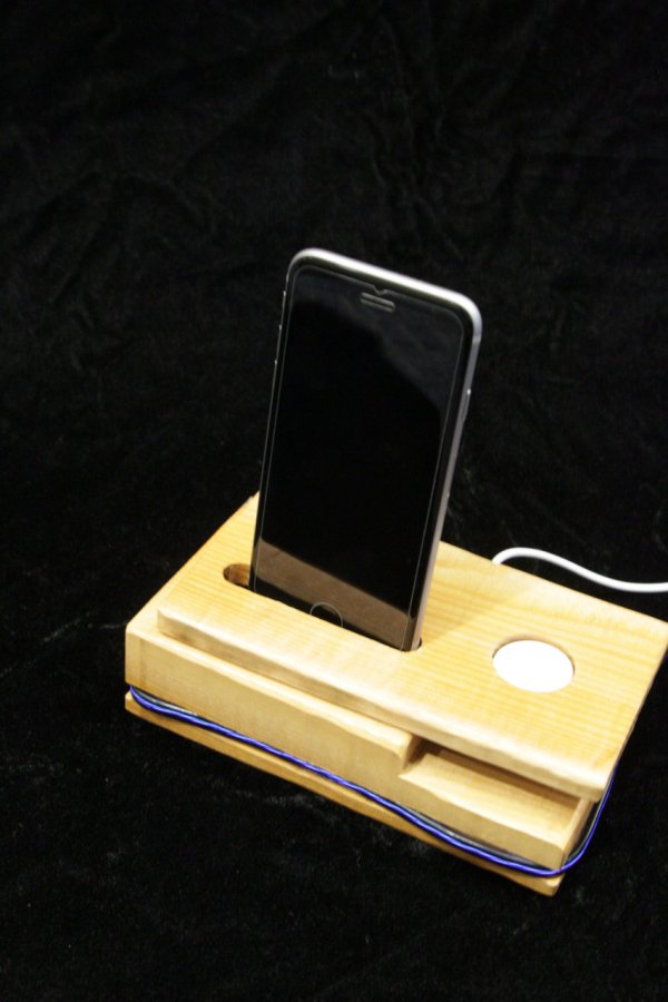 Dynamic LED Charging Dock by Shen Shu