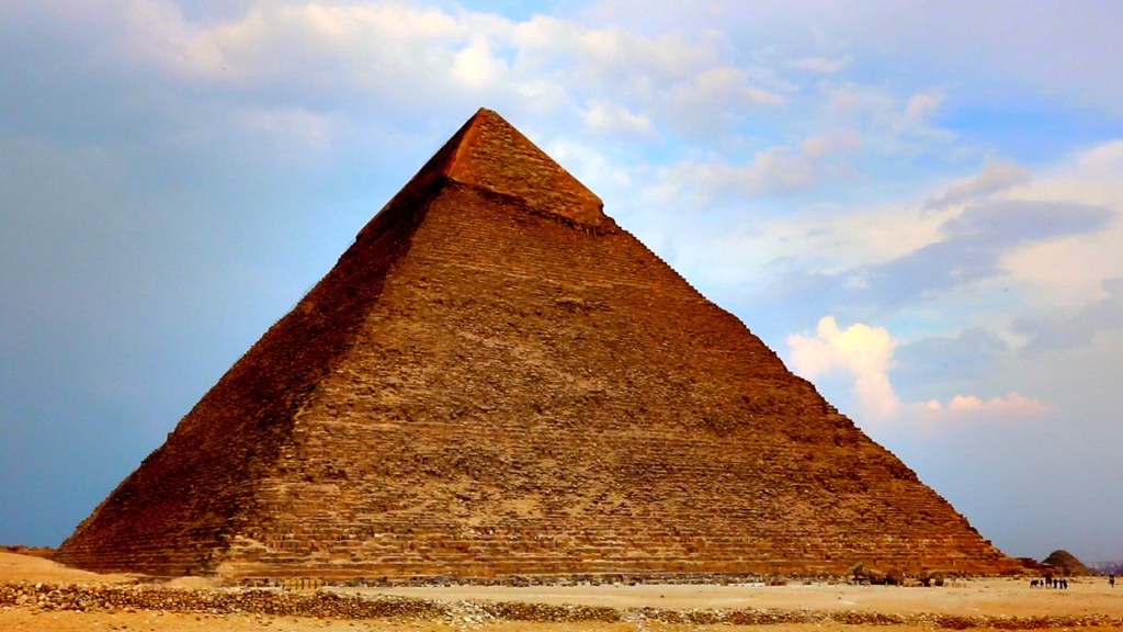 a review of the major architectural structures of ancient egypt The ancient egyptians built their pyramids, tombs, temples and palaces out of stone, the most durable of all building materials although earthquakes, wars and the forces of nature have taken their toll, the remains of egypt's monumental architectural achievements are visible across the land.