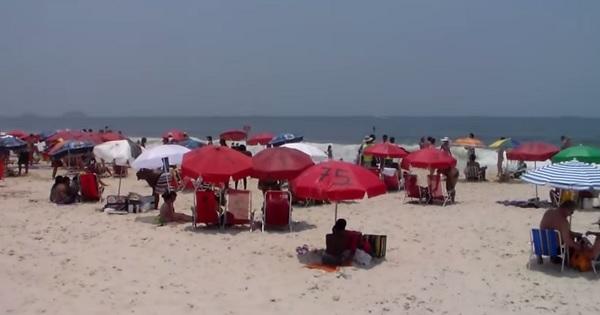necessaire de verão praia