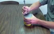 ouvrir-boite-conserve-cuillere