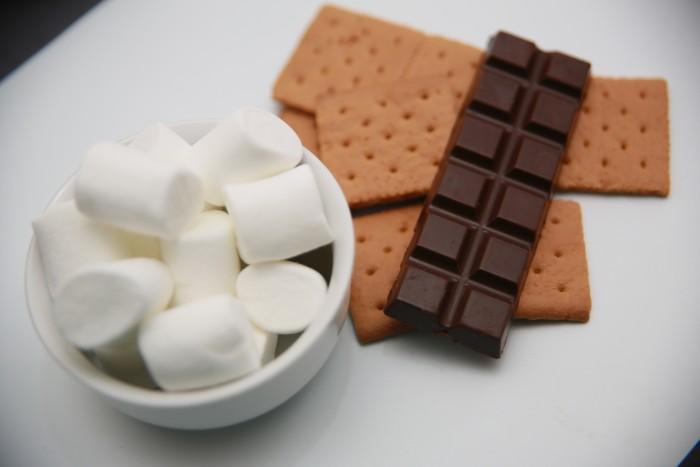 Biscuit-Sandwich-Au-Guimauve-Et-Chocolat-1