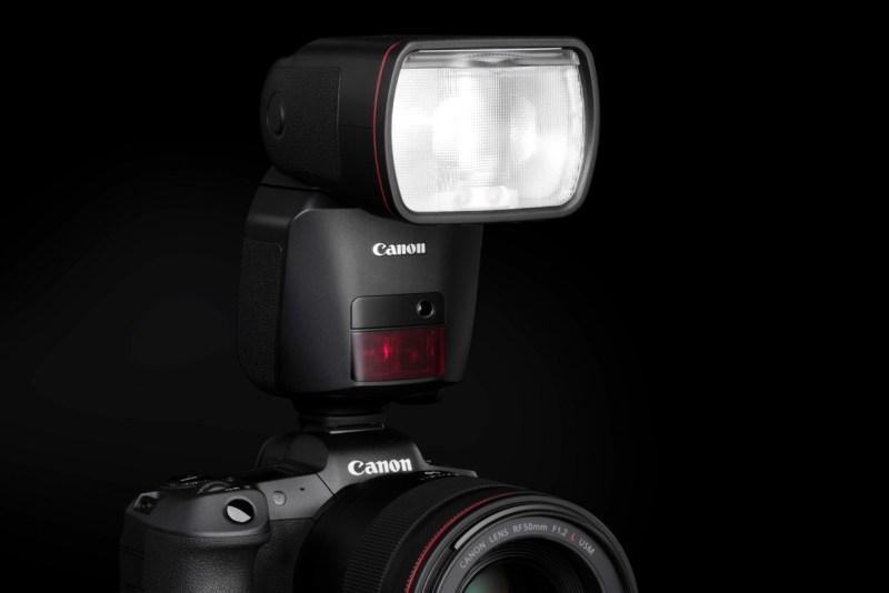 Canon Speedlite e PowerShot Zoom – Luce a portata di mano