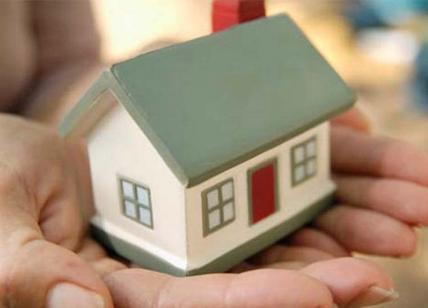 Mutui: giù ancora i tassi, ritorna la surroga. Crescono le richieste del fisso