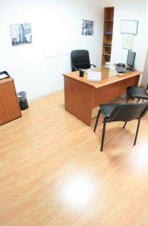 Napoli affitto ufficio arredato incluso posto auto euro 149 mese
