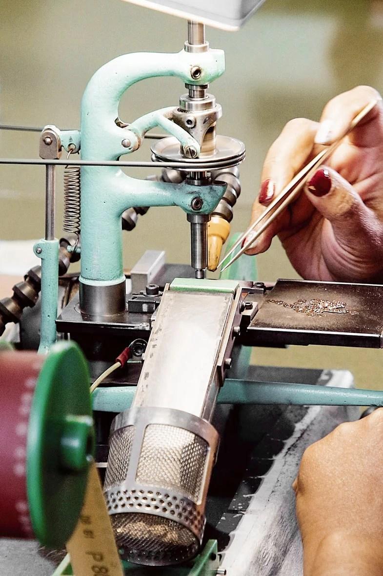 circular graining job swiss watch affolter geartrain