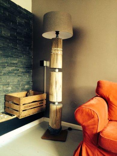 Staande lamp 180 cm €450,-