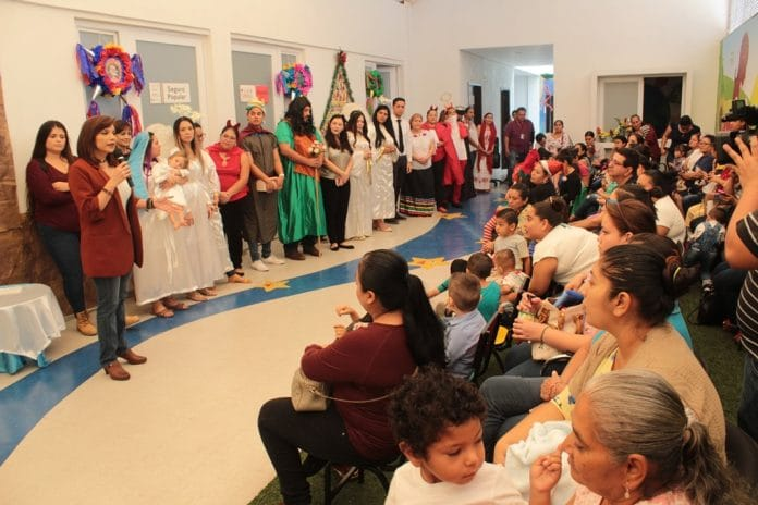 Salud 38 696x464 - Festejan a niños atendidos en el Ceredi de la Secretaría de Salud