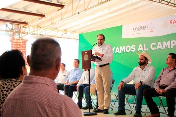 entregaderecursos 696x464 - Gobernador entrega recursos del seguro agrícola a productores de Colima